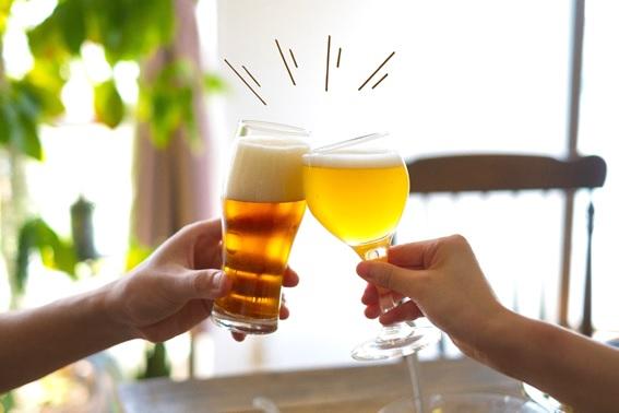 ビールとつまみで乾杯